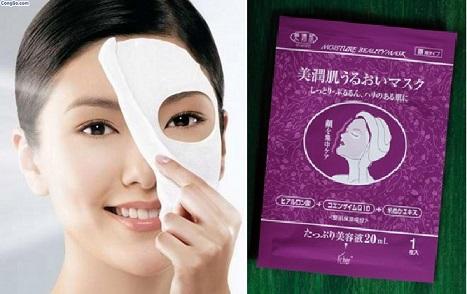 Đắp mặt nạ collagen Moisture Beauty