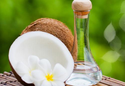 dầu dừa nguyên chất làm dài và dày mi tự nhiên