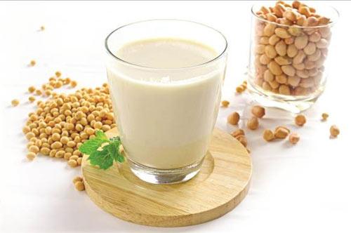 Cải thiện vòng 1 săn chắc bằng sữa đậu nành