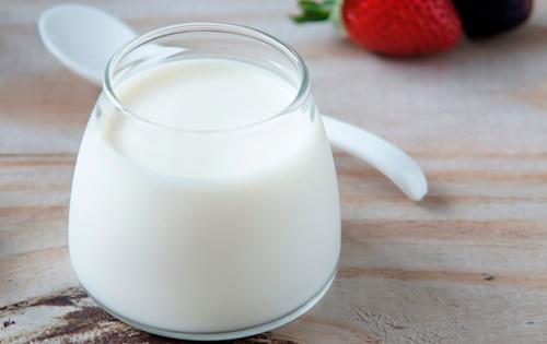 Cách trị tàn nhang từ thiên nhiên với sữa chua