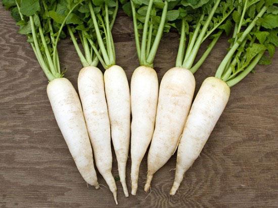 Cách trị tàn nhang từ thiên nhiên với củ cải trắng