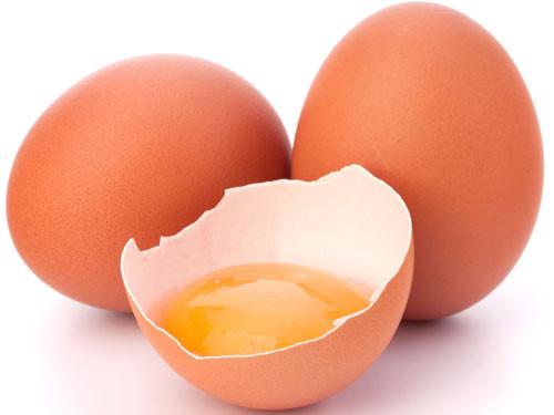 Cách trị tàn nhang sau khi sinh bằng lòng trắng trứng