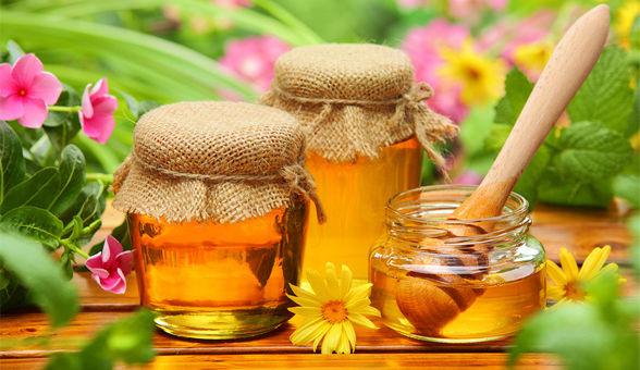 Cách trị tàn nhang sau khi sinh bằng mật ong