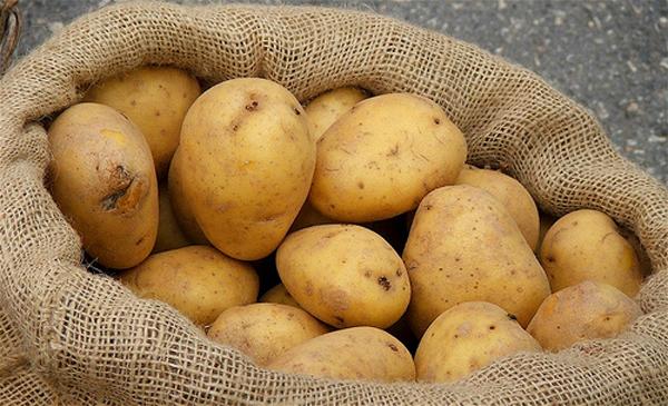 Cách làm trắng da bị cháy nắng nhanh nhất với khoai tây